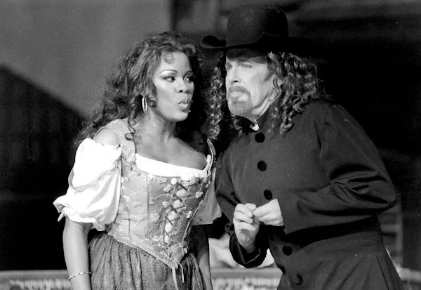 Denyce Graves and Bob Orth in LA PERICHOLE